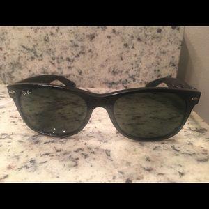Ray Bans RB2132 New Wayfarer 901 5518 Sunglasses